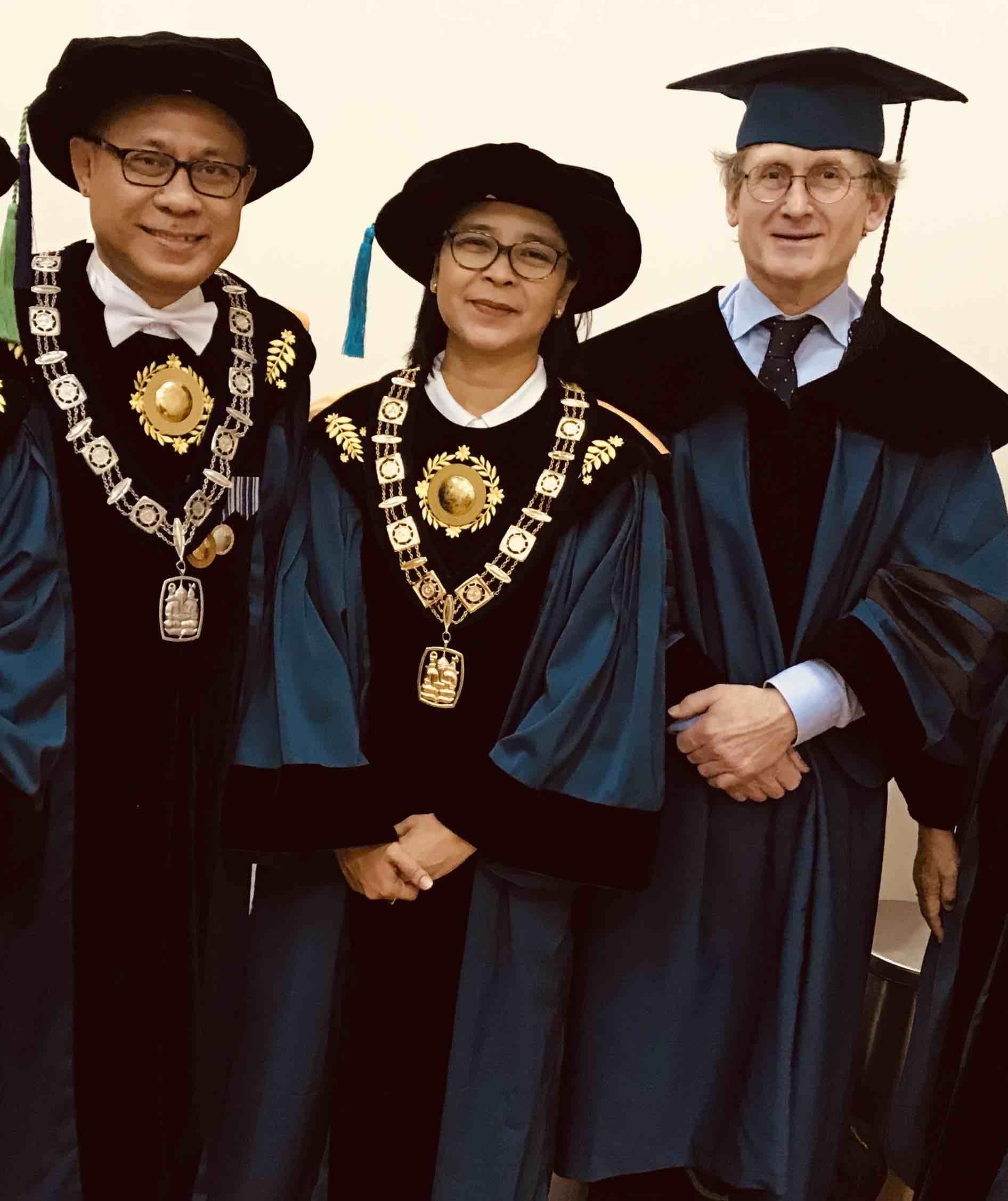 Pemenang Nobel Ben L. Feringa menerima doktor kehormatan dan profesor kehormatan dari ITB  2 Maret 2020